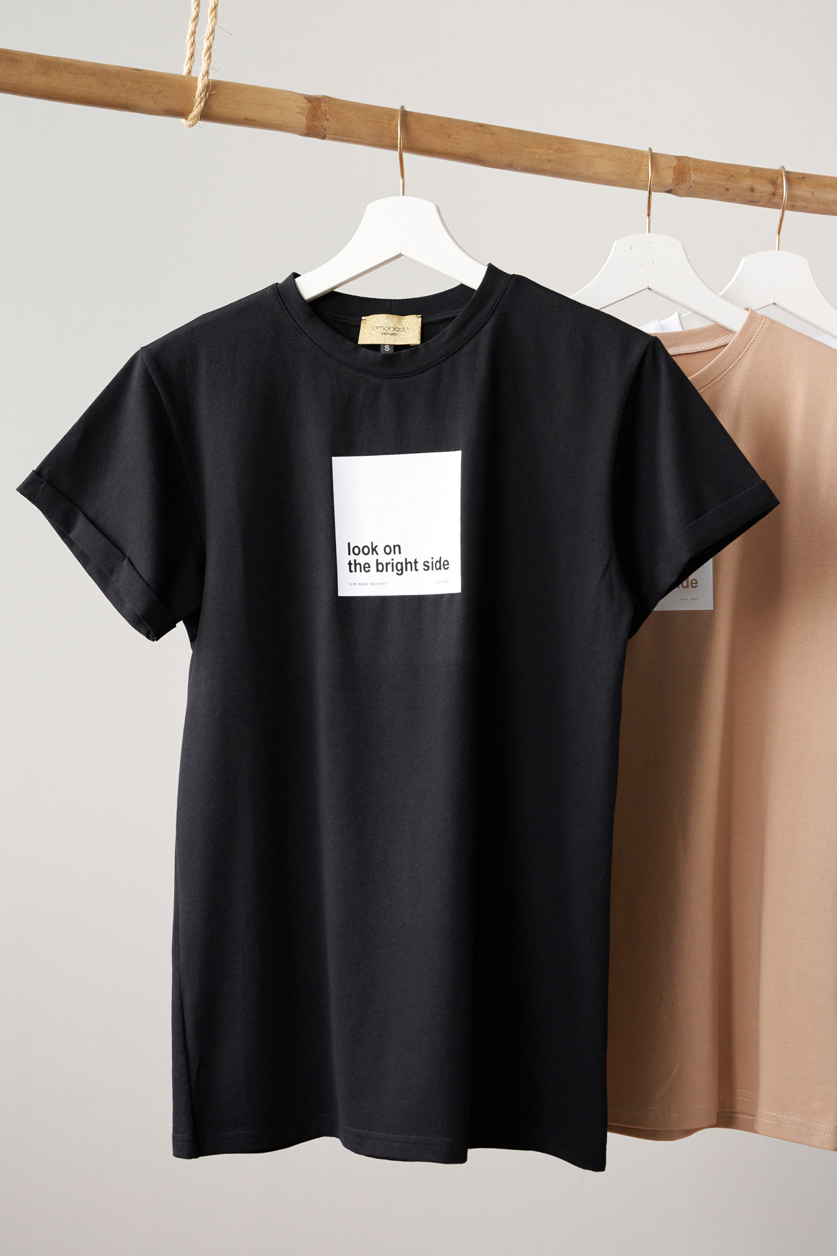 T-shirt Look on the bright side black