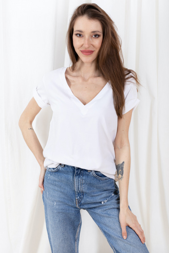 T-shirt with rolled up sleeves and V-neck Taylor white