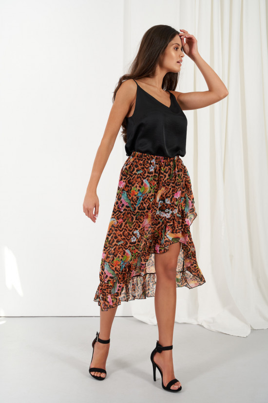 A silk blend skirt with a shorter front and a frill Amora exotic 1