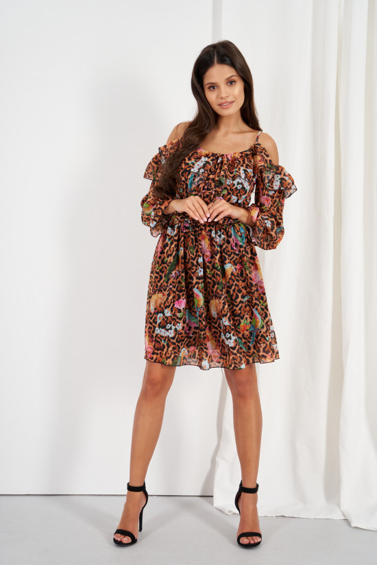 Dress with frills and cold shoulders egzotic 1