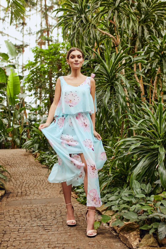 Long dress with tied traps Daisy flowers