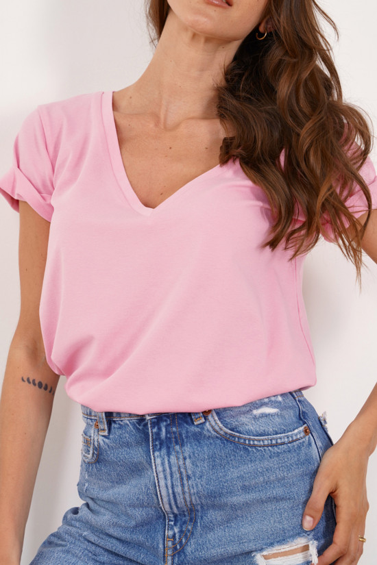 T-shirt with rolled up sleeves and V-neck Taylor baby pink