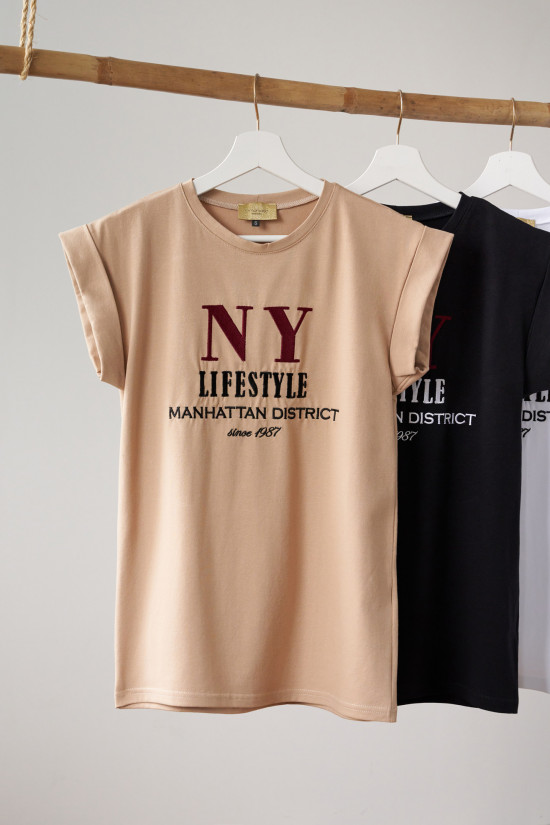 T-shirt with NY Lifestyle embroidery beige